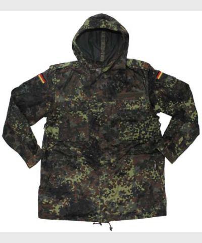 """Куртка BW,зелёный горошек, капюшон, пропитка, тип """"конго"""", б/у"""