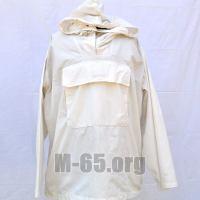 Чехол F, на куртку,белый, капюшон, б/у (маленькие размеры)