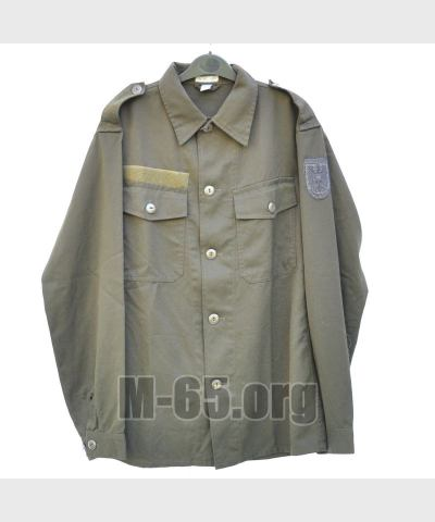 Рубашка AU, олива, эмблема на рукаве, сухой зип для инициалов, б/у
